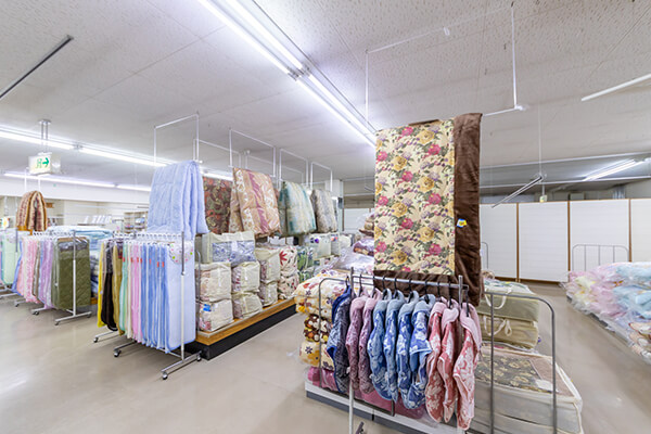 寝具やインテリアに関する商品も取り揃えております。